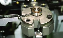 Bearing total measuring machine